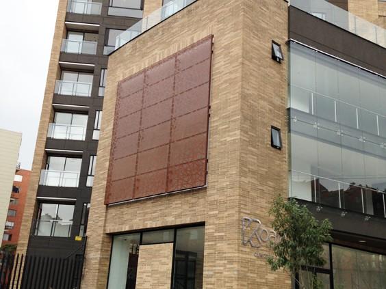 fachadas que regulan la temperatura de los edificios por medio de la circulacin de las corrientes de aire que se generan a travs de nuestros paneles
